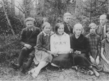 Munalaskme algkooli kuuenda klassi õpilased 24.V.1932a.. Foto: Einar Alliksaar erakogu