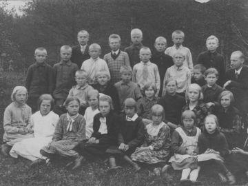 Munalaskme algkooli õpilased 1930/32a.. Foto: Einar Alliksaar erakogu