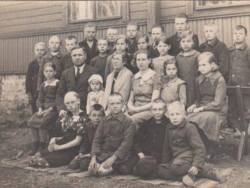 Laitse kooli õpilased (1930.-ndad), Helmi Edovald erakogu